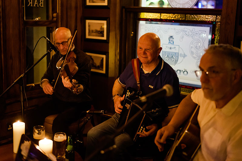 At Scotts Bar we know a toe-tappingly great traditional Irish music session when we hear one. That's why we only bring in the best musicians.